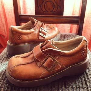 Brown leather dr. Martens size 7